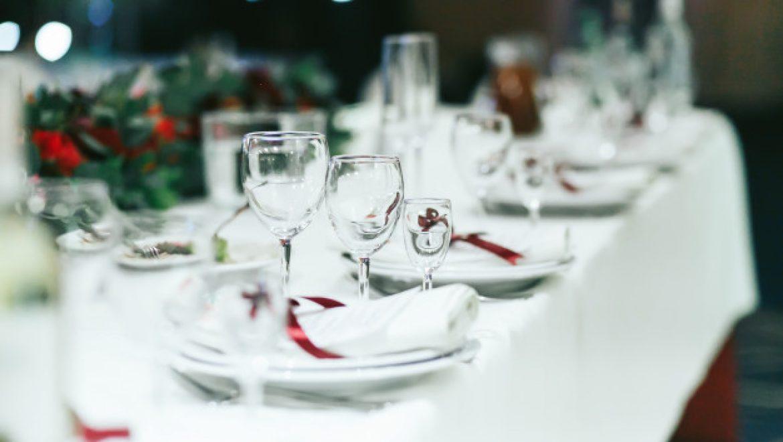 5 מוצרים ופריטים לעריכת שולחן מושלמת